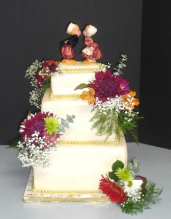 birthday cakes, wedding cakes, anniversary cakes, adult cakes Worcester MA